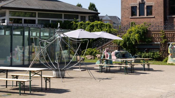 Sofia Duchovny, Fountain (voll im Leben) (2019), installation view in the Sculpture Garden, Kunsthal Aarhus. Photo: Mikkel Kaldal.